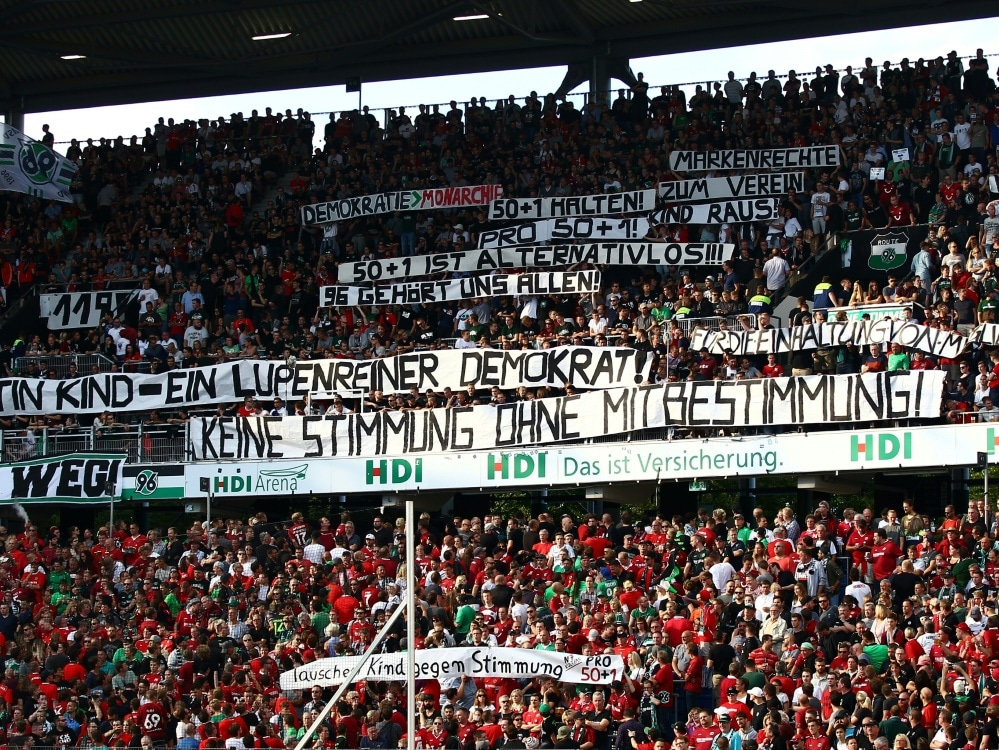Fanprotest gegen Martin Kind in Hannover (Photo by FIRO/FIRO/SID/)