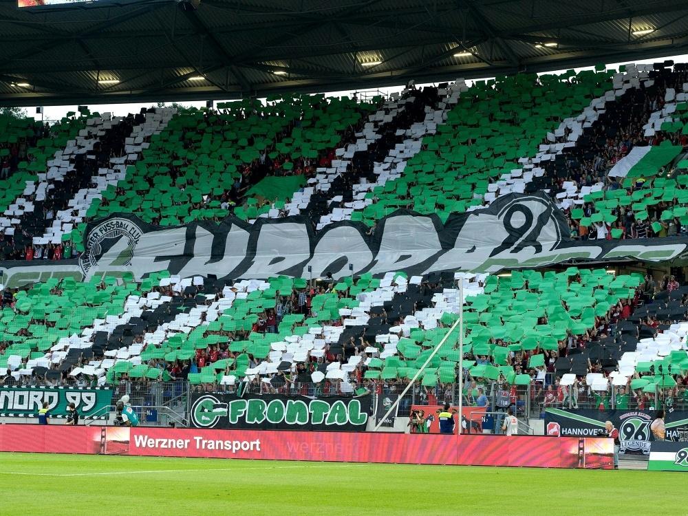 Hannovers Ultras unterbrechen ihren Stimmungsboykott (Photo by PIXATHLON/PIXATHLON/SID/)