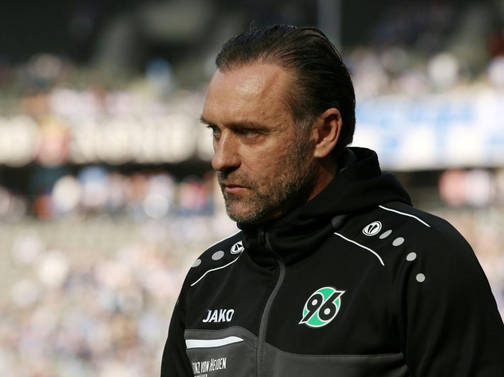 Unter Zugzwang gegen den Rekordmeister: Thomas Doll (Photo by PIXATHLON/PIXATHLON/SID/)