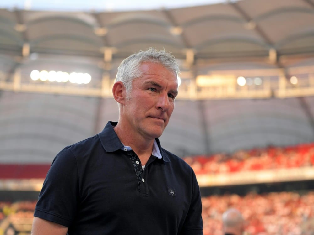 Mirko Slomka bleibt vorerst Trainer bei Hannover 96 (Photo by PIXATHLON/PIXATHLON/SID/)