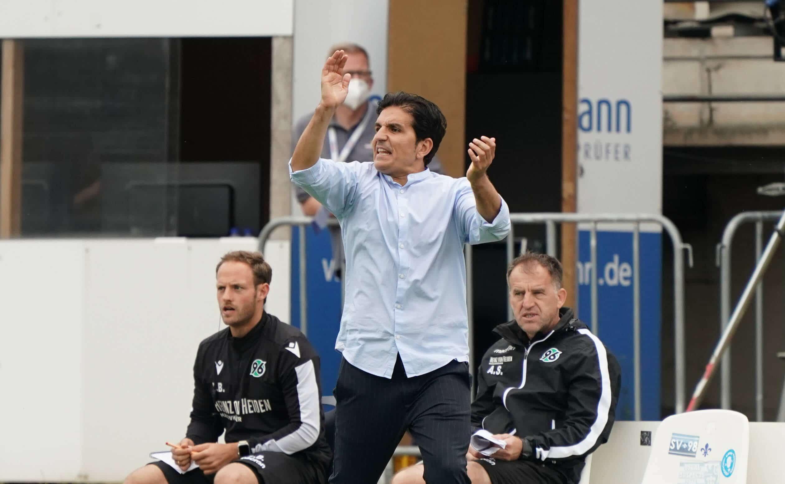 Trainer Kenan Kocak (Hannover 96) regt sich auf – 14.06.2020: Fussball 2. Bundesliga, Saison 19/20, Spieltag 31, SV Darm