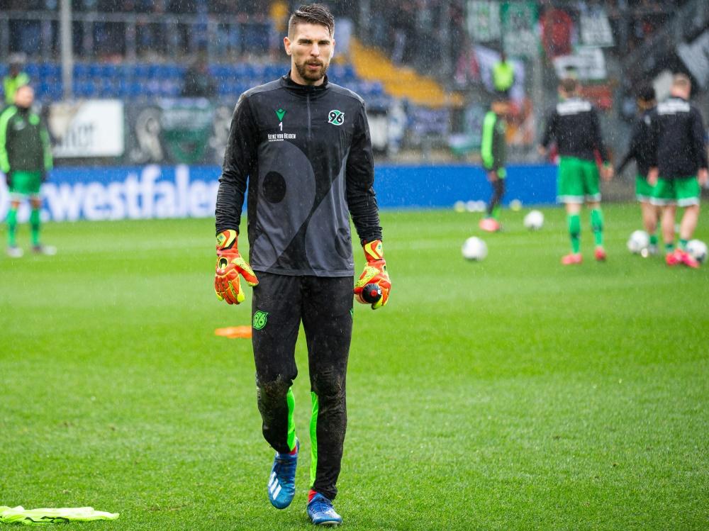 Spielt in Hannover keine Rolle mehr: Ron-Robert Zieler (Photo by FIRO/FIRO/SID/)