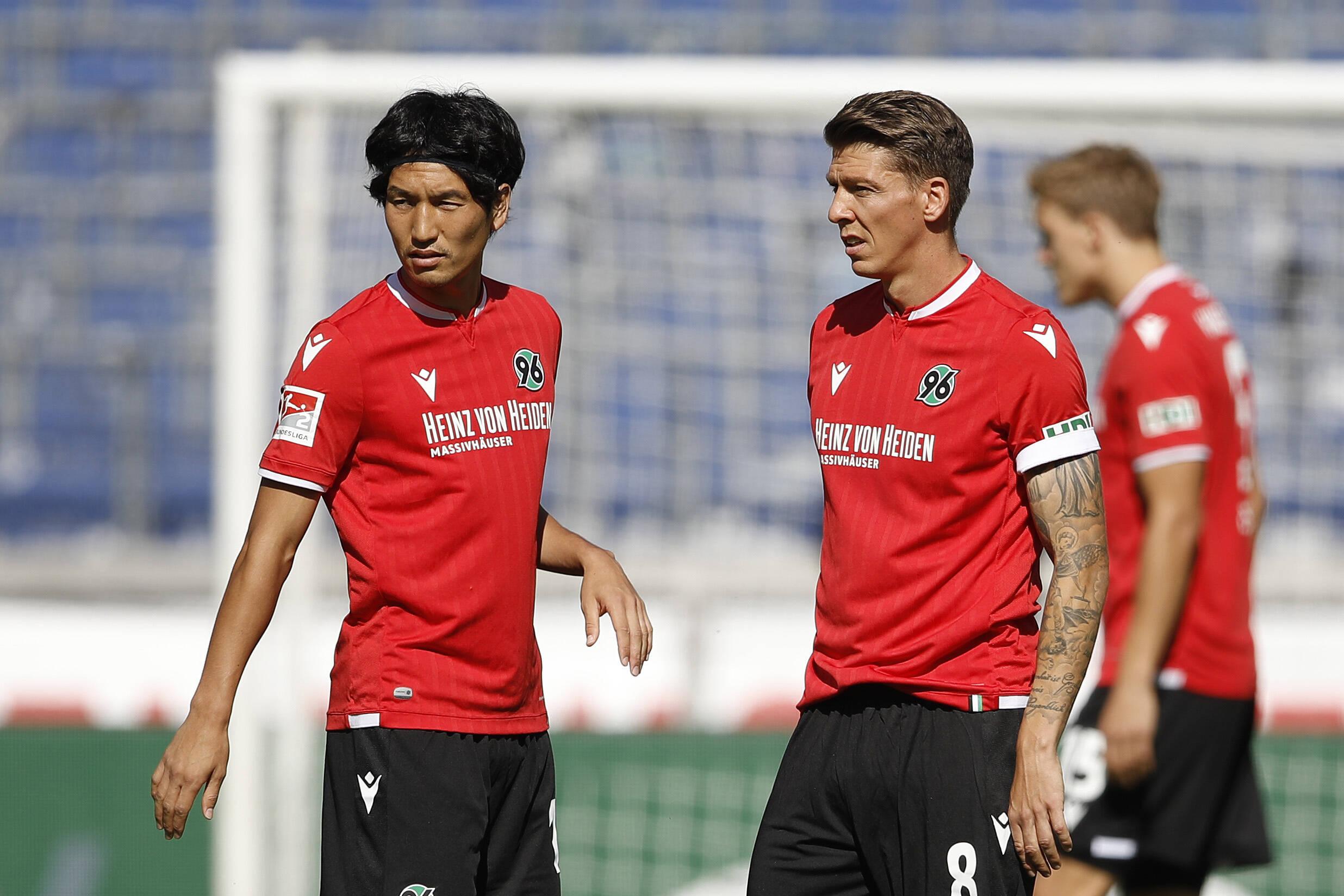 Hannover 96 gewinnt gegen den Karlsruher SC mit 2:0