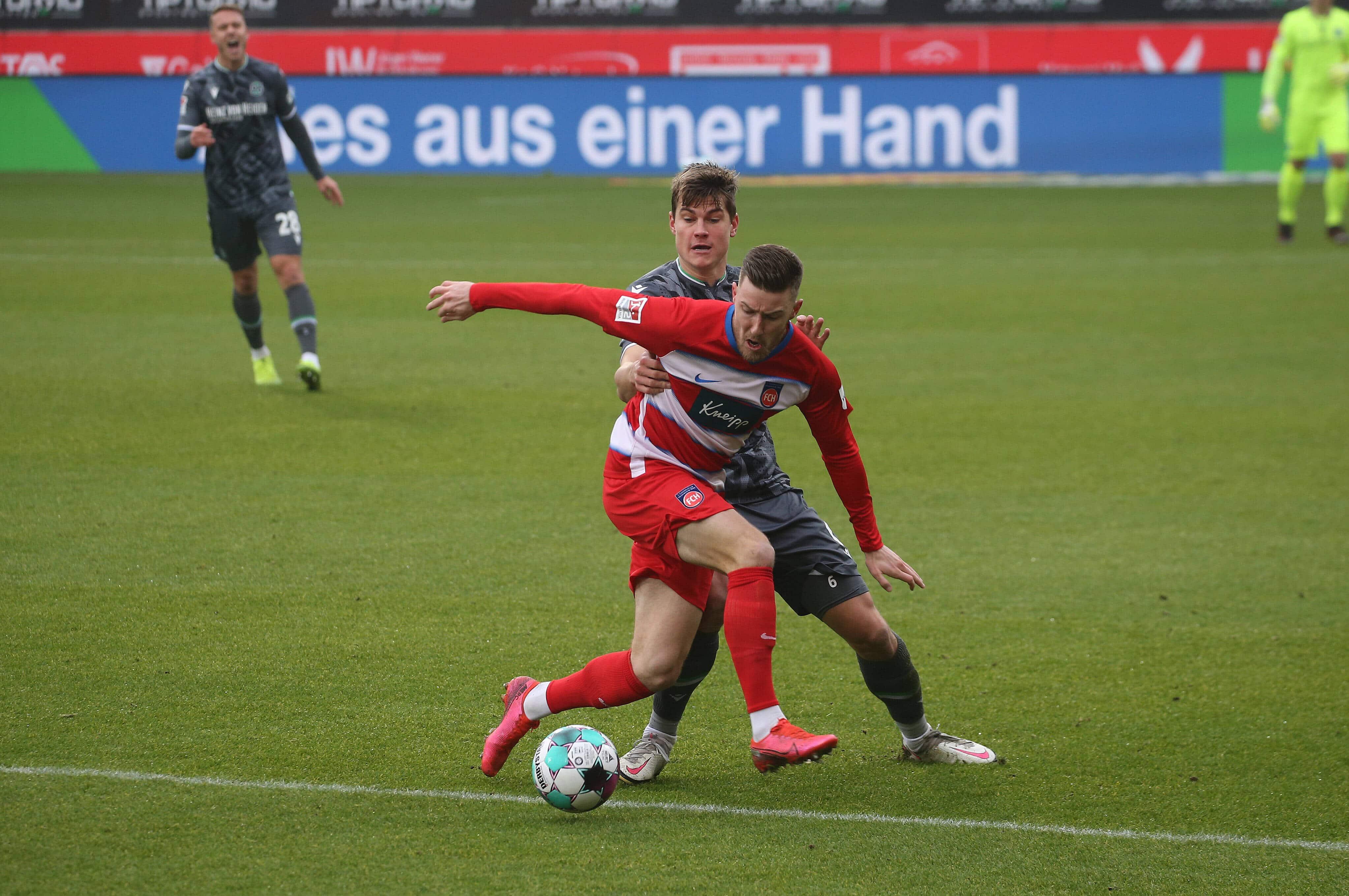 12.12.20 1. FC Heidenheim – Hannover 96 Deutschland, Heidenheim, 12.12.2020, Fussball, 2. Bundesliga, Saison 2020/2021,