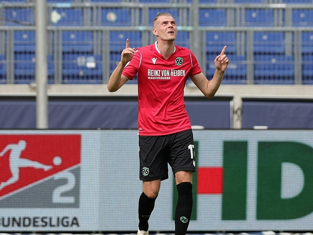 Hannovers Marvin Ducksch trifft gegen Sandhausen doppelt (Photo by FIRO/FIRO/SID/)