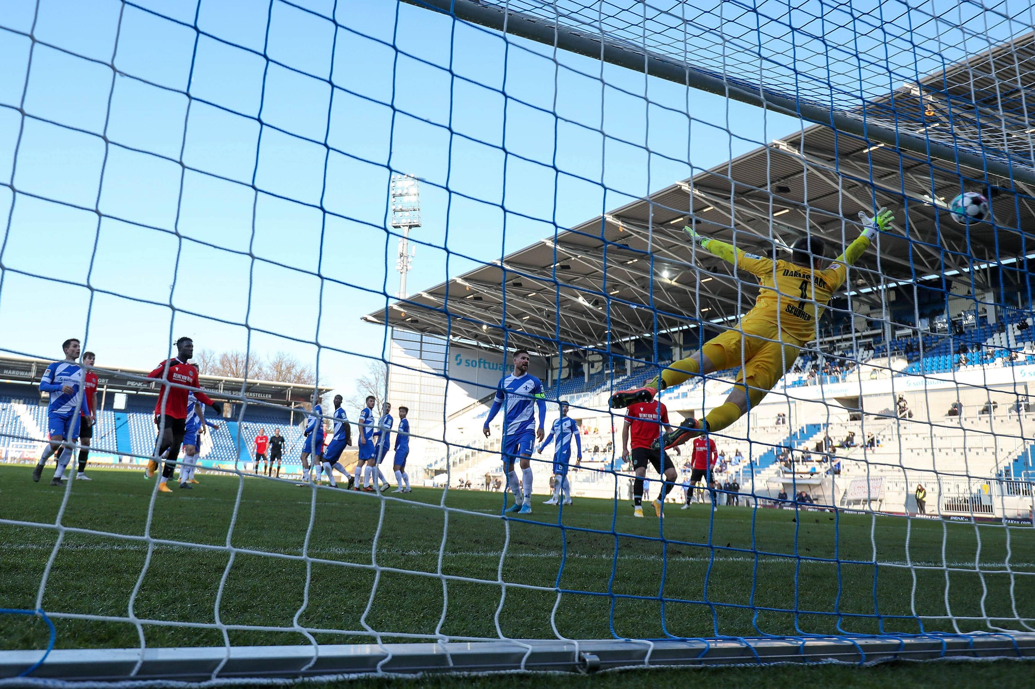 10.01.2021 15.Spieltag 2.BL SV Darmstadt 98 – Hannover 96 v.l.,Marvin Ducksch (Hannover 96) Goal scored, Tor zum 0:1, G