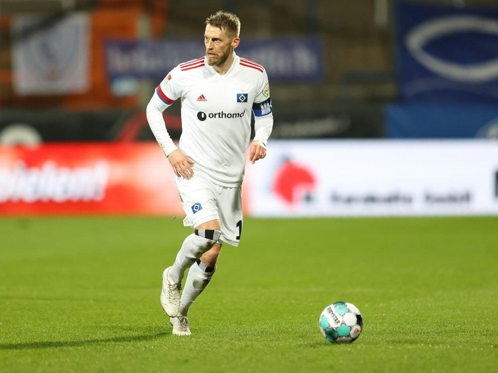 Trotz drei Toren von Hunt lässt der HSV Punkte liegen (Photo by FIRO/FIRO/SID/)